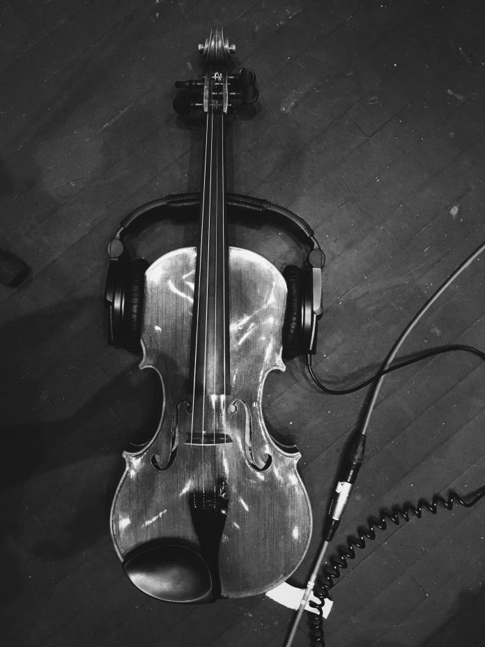 Recording viola on headphones © Clio Em
