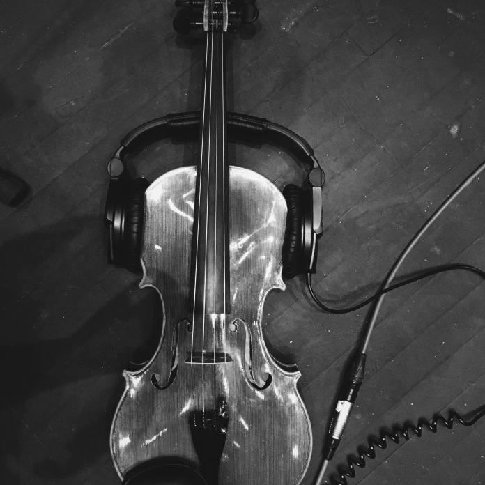 Recording viola on headphones © Clio Em